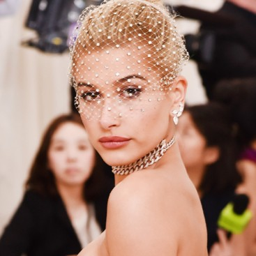 rs_600x600-170501192625-600.Hailey-Baldwin-Beauty-Tops-Met-Gala
